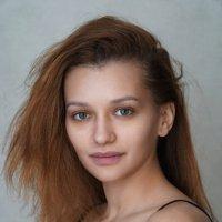 Доброта — она не увядает И не ждет взаимности в ответ. :: Александр Бабаев