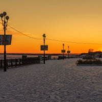 Закат на набережной у Амура. :: Виктор Иванович Чернюк
