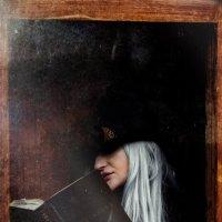Юлия в стеклянном шкафу . :: Андрей Якимюк