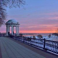 Холодный вечер в Ярославле :: Татьяна Каневская