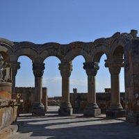 Руины храма Зварнотц :: Юрий Воронов