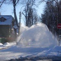 уборка снега в Павловске :: Елена