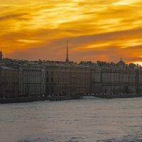 Зимний закат над Невой :: Александр Игнатьев