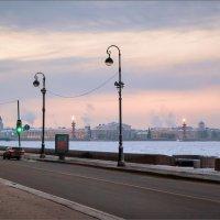 Зимний вечер на Дворцовой набережной... :: Сергей Кичигин