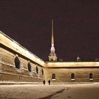 Петропавловская крепость вечером :: Сергей