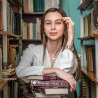 Наедине с книгами... :: Виктор Садырин