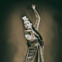 Танец :: Екатерина Рябинина