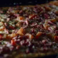 пицца собственного приготовления :: Александр Леонов