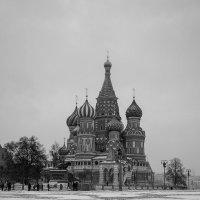 Мартовский снег ... :: Лариса Корж