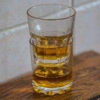Двойной виски за женщин! :: Олег