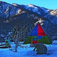 Пестрая  палатка. :: Vladimir Semenchukov