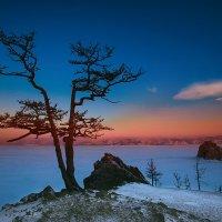 озеро Байкал зимой :: Юрий Лобачев
