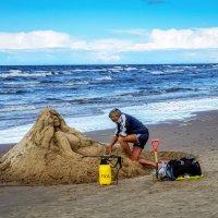 Скульптура из песка. Юрмала. Латвия :: Олег Кузовлев