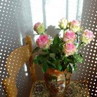 Розы в вазе :: Nina Yudicheva