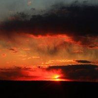 Зловещий весенний закат :: Екатерина Фетисова