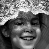 Девочка в шляпке :: Любовь Лушпай