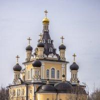 Правильно называть не храм, а церковное строение! :: Михаил Тищенко