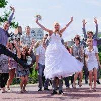 Ах эта свадьба... :: Анатолий Клепешнёв