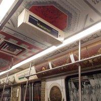 Оформление вагона в метро Санкт-Петербурга-1 :: Фотогруппа Весна-Вера,Саша,Натан