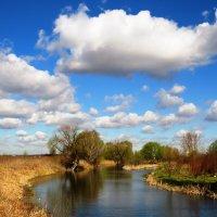 В небе над рекой :: Андрей Снегерёв