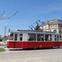 Весна идёт, трамвайчик мчится :: Александр Рыжов