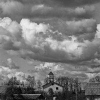 Городок перед грозой. :: M Marikfoto
