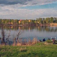 На майском озере :: Валерий Иванович