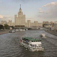 Тучки над Москвой :: Тата Казакова