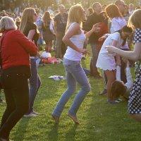 танцуй пока молодой :: Олег Лукьянов