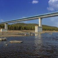 Под ангарским мостом :: Сергей Шаврин