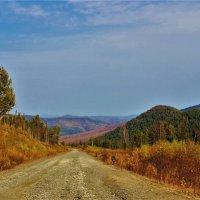 Осенняя дорога в горах :: Сергей Чиняев
