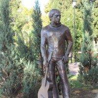 Памятник Вычоцкому в Сочи. :: Nonna