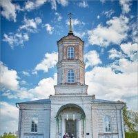 У ворот Храма... :: Сергей Величко