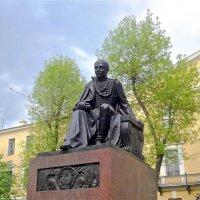 памятник Лермонтову в Петербурге :: Елена