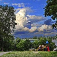 Детская площадка. :: Михаил Николаев