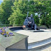 Памятник В. Высоцкому.в Калининграде. :: Валерия Комова