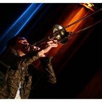 Gianluca Petrella, trombon,Nicola Conte group :: Dephazz