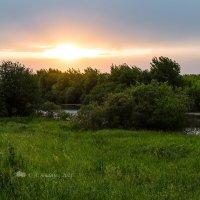Вечер на озере :: Александр Синдерёв