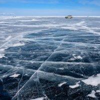 На льду Байкала :: Константин Шабалин