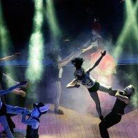 Танцы в лучах света :: Александр Мац