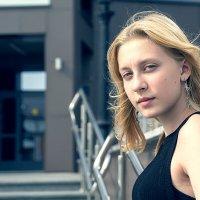 Портрет девочки в черном :: Валерий Чернов