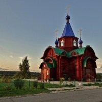 церковь у дороги :: Валентина. .
