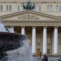 самый театральный фонтан :: Olga Novikova