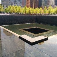 Мемориал жертвам терактов 11 сентября в Нью-Йорке :: Светлана Хращевская