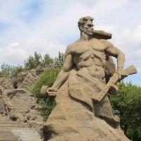 Скульптура «Стоять насмерть» :: Сергей Забара