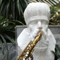 Играющая скульптура... :: Allekos Rostov-on-Don