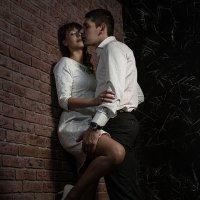 И только в пламени любви разрушится стена.. :: Larisa