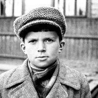 Архангельск, 1960 год, мне 13 лет, снимал на Зоркий-С. Ребята с нашего двора :: Владимир Шибинский