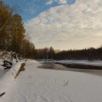 Река зимой... :: Сергей