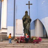 Святой и ангелы :: Николаева Наталья